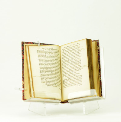 M. T. Ciceronis De Officiis, Libri Tres, cum Indice Auctorum, Adagiorumque suo loco citatorum.