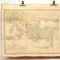 Carte des parages de la Méditerranée et de l'Empire Ottoman avec la Syrie, développée à l'échelle de 1/1000000.